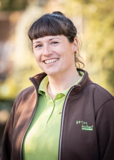 Carolin Albrecht Vorarbeiterin in der Gartengestaltung