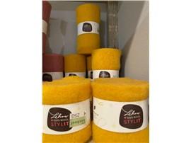 Filzband gelb 7,5 cm aus 100 % Schafwolle zum Dekorieren in der Baumschule Graz -   1 Laufmeter